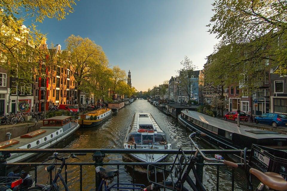 אמסטרדם - מדריך דובר עברית