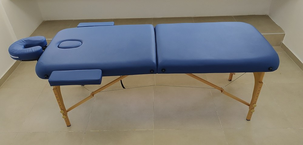 מיטת עץ מתכווננת - TRES + בייגלה + פתח + תיק נשיאה + תוספת משענות לידיים+ מדף לגליל אלבד/נייר