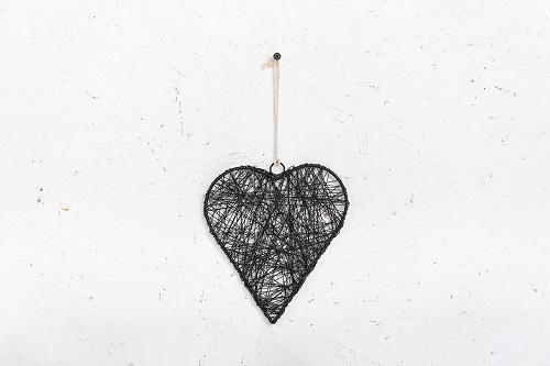 לב מיתרי ברזל - שחור