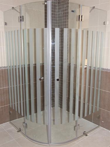 מקלחון ונציה מעוגל