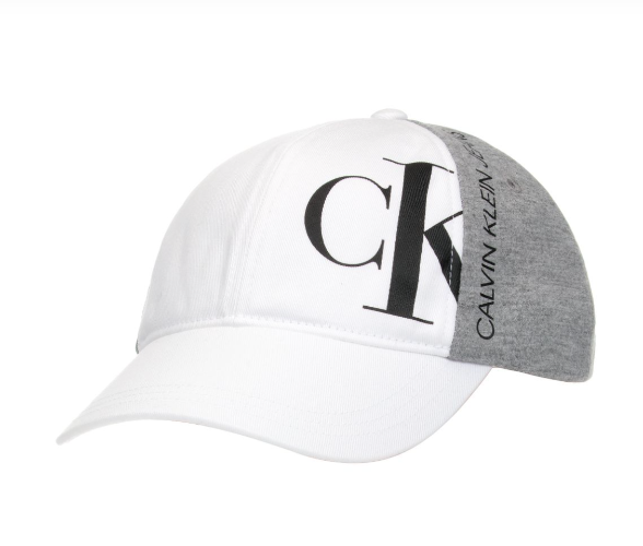 כובע CALVIN KLIEN לבן בשילוב אפור - 4-14 שנים