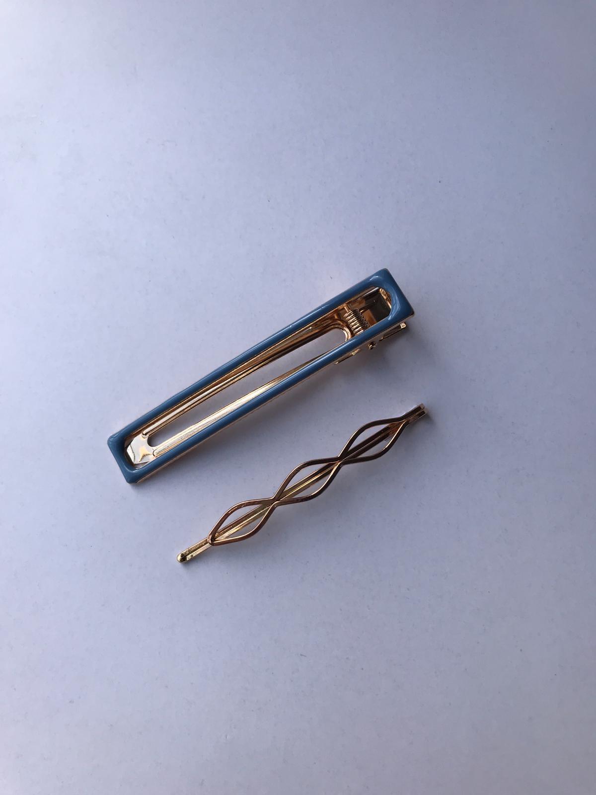זוג סיכות חלקות בשילוב צבע-כחול
