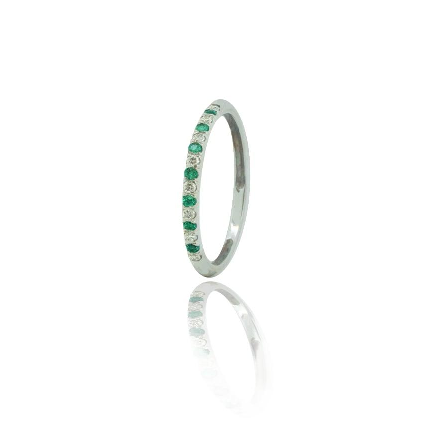 טבעת מידי טבעת נצח משובצת יהלומים ואמרלד