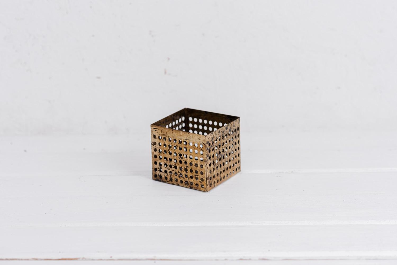 קופסה פתוחה / כלי ממתכת מרובע - זהב S