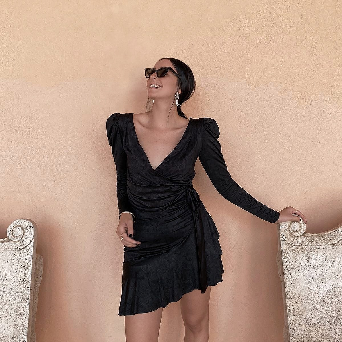 שמלת פאריס מעטפת - שחורה
