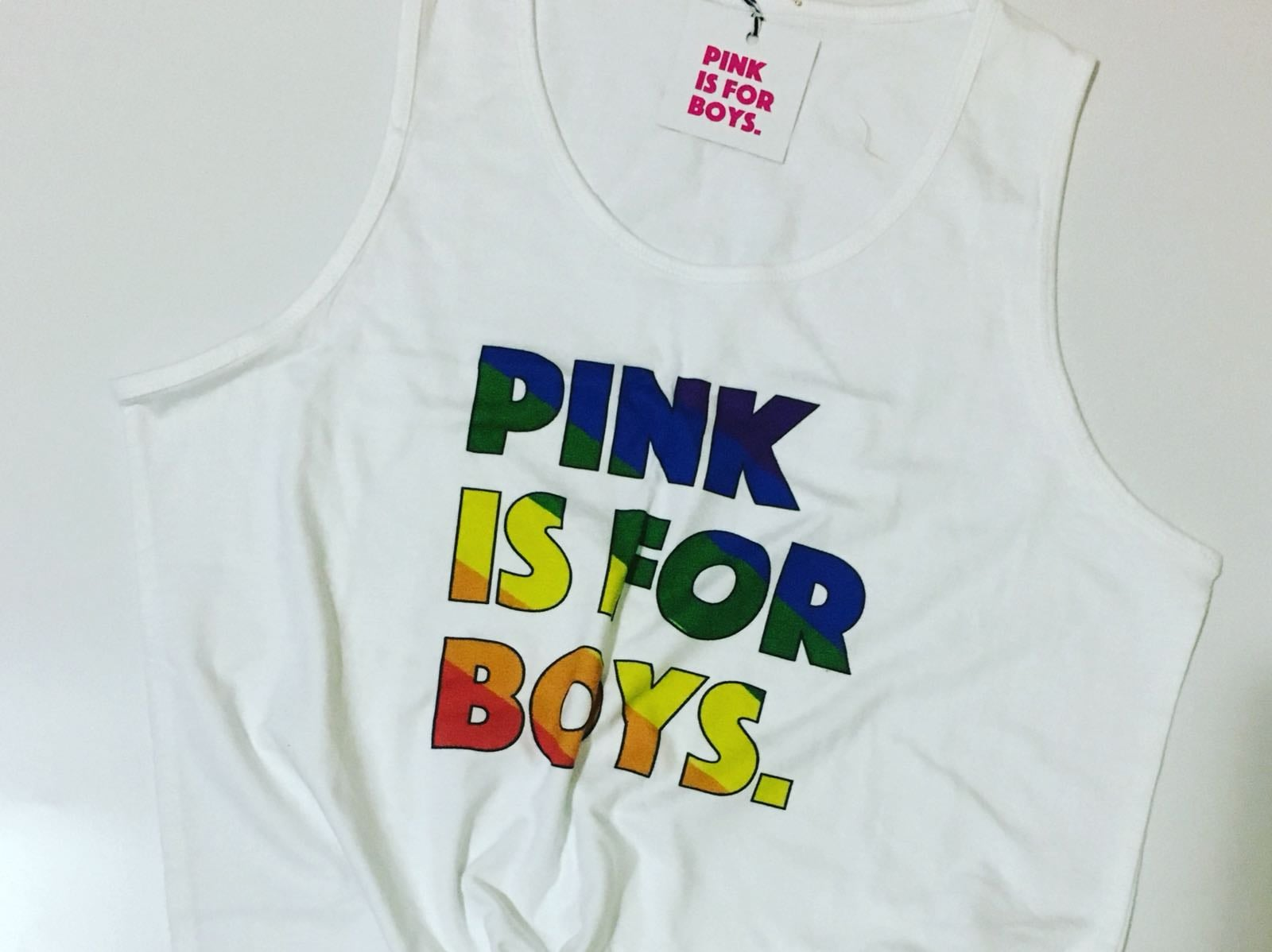 גופיה יוניסקס לבנה Pink is for boys גאווה 2017