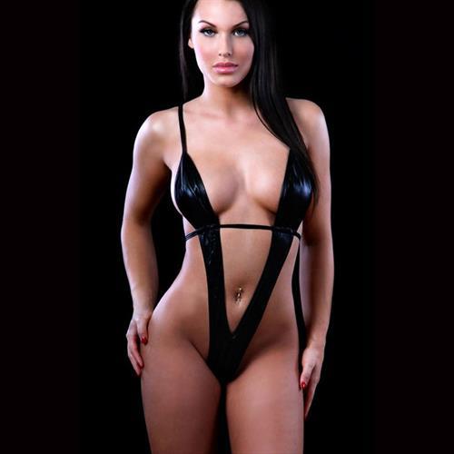 חוטיני בגד גוף דמוי עור שחור סקסי