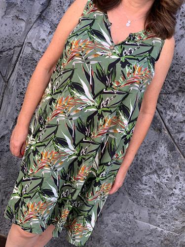 שמלה גופיה פרח כפתור ירוק