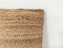 זוג כריות עשויות מחצלת יוטה (מלבנית ומרובעת)