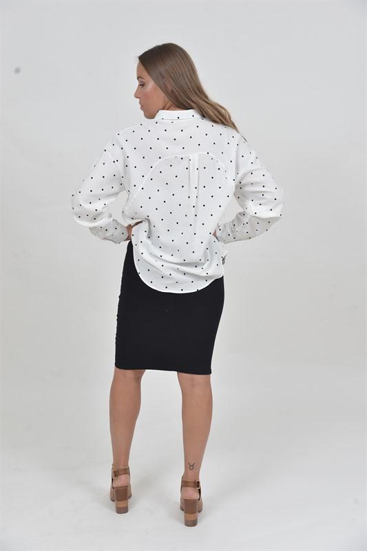 חולצת נקודות שחורה OVER SIZE