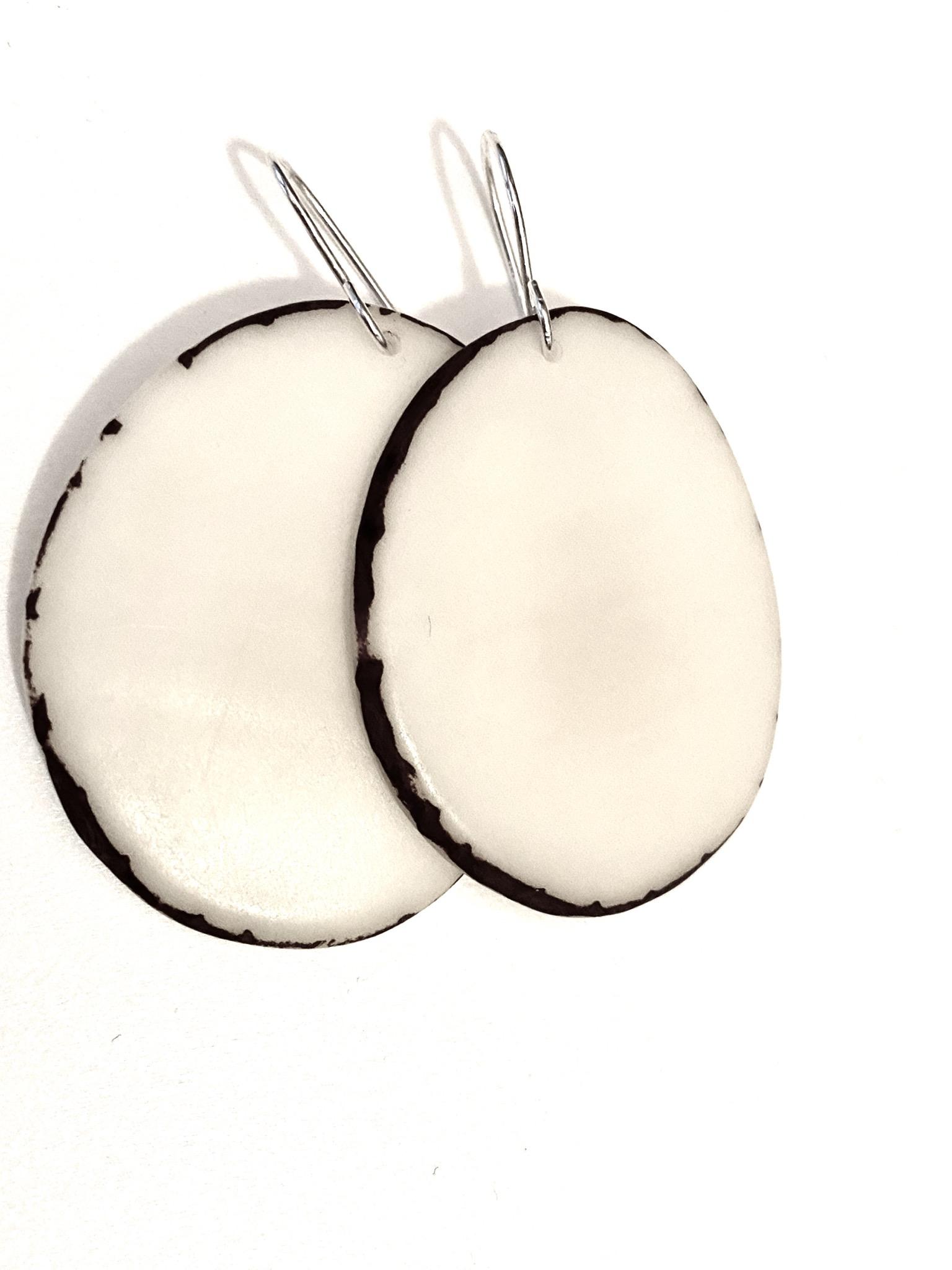עגילי פרוסה טאגווה גוון טבעי - שנהב