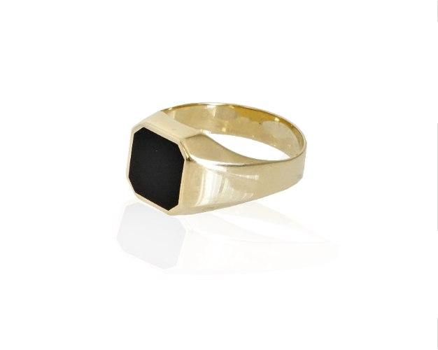 טבעת זהב לגבר עם אמיל שחור