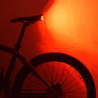 אזעקה ותאורה אחורית אלחוטי עם שלט רחוק A6