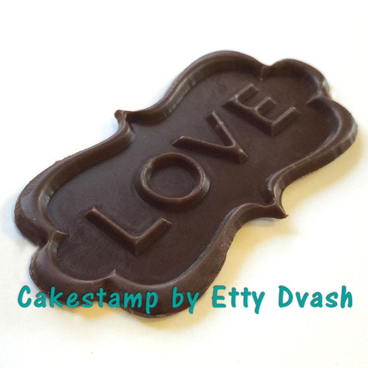 LOVE ON CHOCOLATE