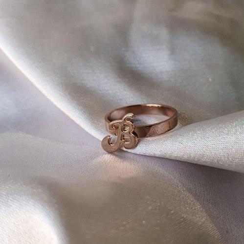 טבעת אות מיני- ציפוי זהב/ כסף 925
