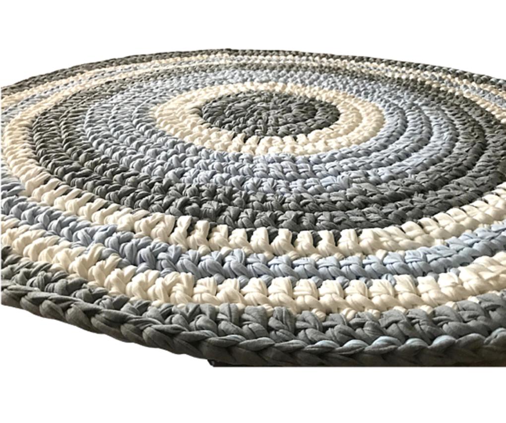 שטיח סרוג, שטיחים סרוגים, שטיחים, שטיחים עבודת יד, שטיח סרוג לחדר הילדים, שטיח באפור וסגול, שטיח מטריקו, שטיח עגול רך ונעם