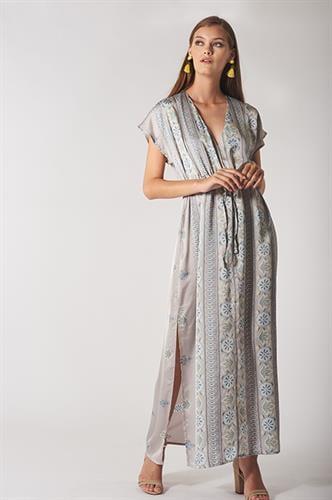 שמלת קמילה ורודה