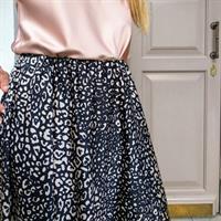 חצאית סאטן משי - מנומר שחור לבן
