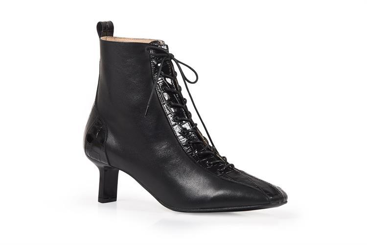 Mercy black boots