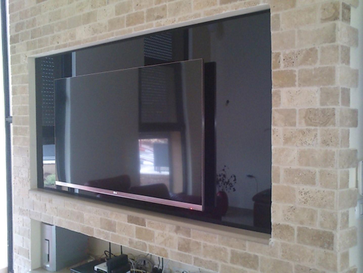 מסך זכוכית לטלויזיה 16