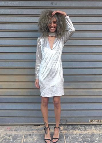 שמלת גס שנהב