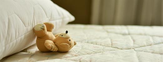 מיטת מעבר עץ  מלא לילדים עד גיל 8