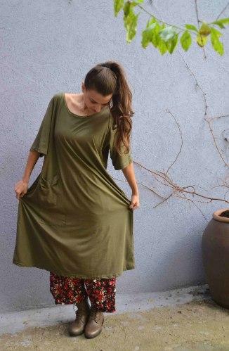 שמלה מדגם טל בצבע זית