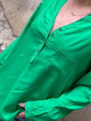 מכופתרת מיקי ירוק