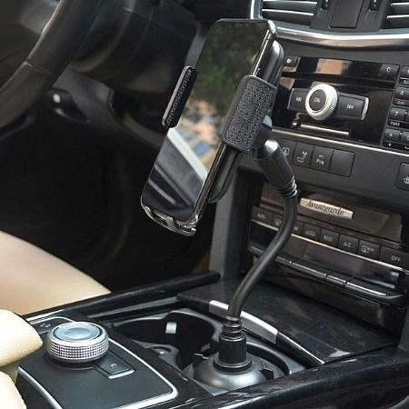 מחזיק סמארטפון לרכב מתחבר למחזיק הכוסות