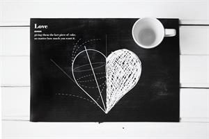 פלייסמט רישום של לב