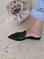 נעלי קש שחורות