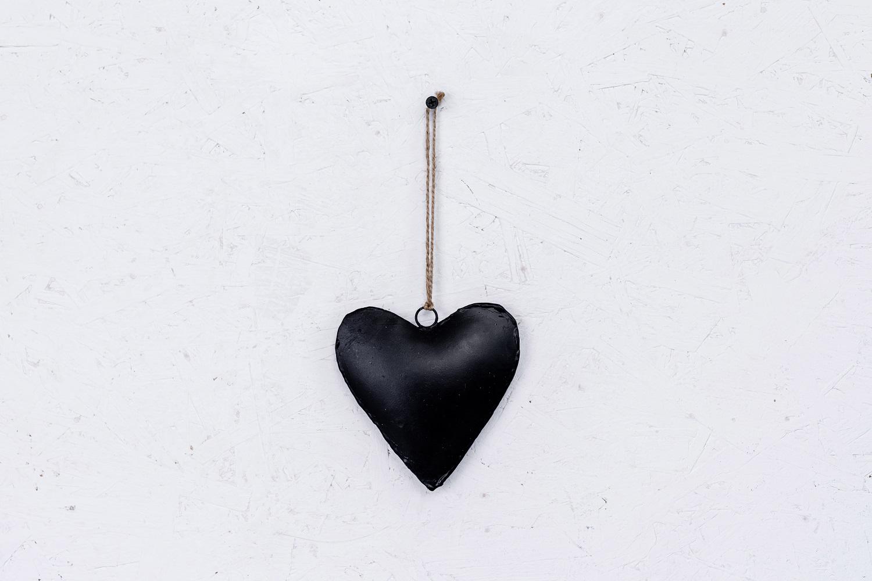 לב ברזל - שחור