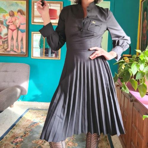 שמלה שחורה קלאסית פליסה M/L