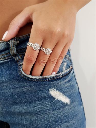 טבעת חוליות ואבן מותאמת