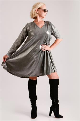 שמלת פעמון כסופה