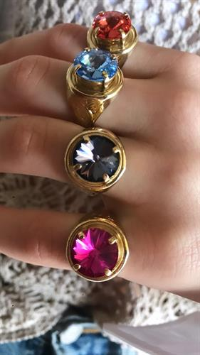 טבעת חותם וינטג' סברובסקי זהב