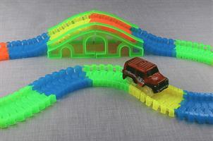 מכונית למשחק מסלול מירוצים