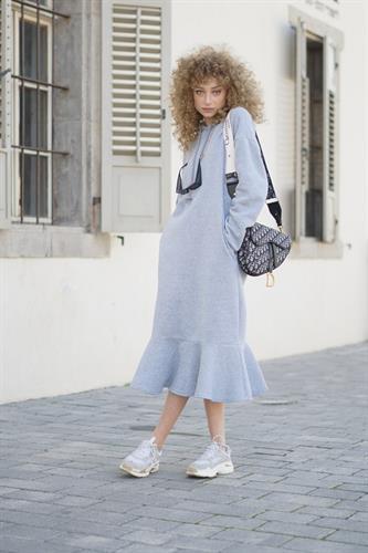 שמלת אדריאן