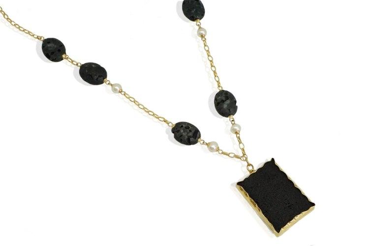 שרשרת זהב ארוכה לנשים עם פנינים ואבן בזלת טבעית