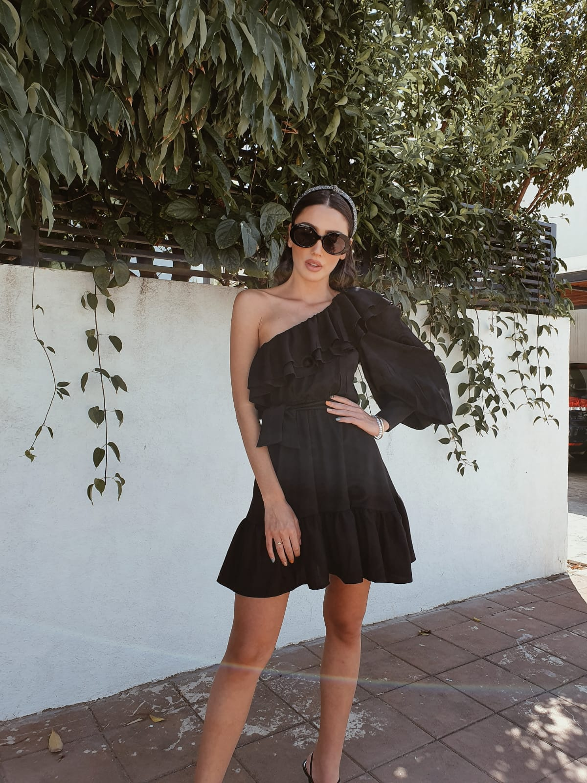שמלת כתף מונקו - שחורה