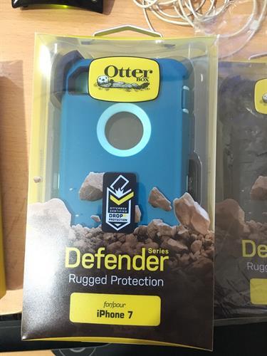 Otterbox defender תלת שכבתי (כחול\תכלת) לאייפון 7