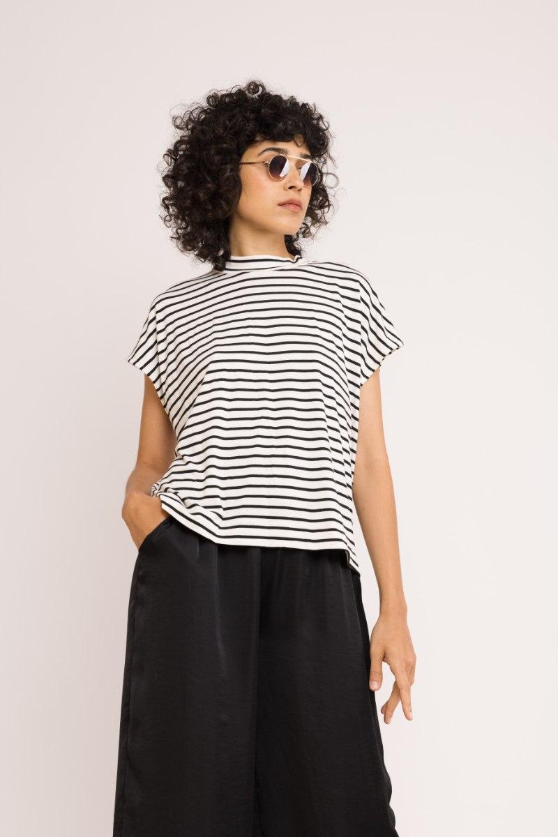 חולצת NAM - פסים קלאסי