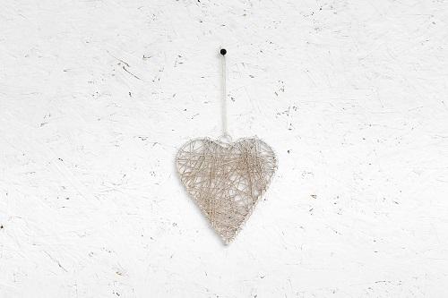 לב מיתרי ברזל - לבן מלוכלך