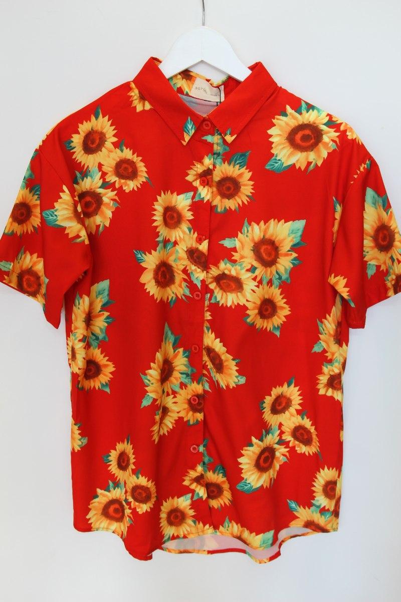 חולצת חמניות אדומה מכופתרת