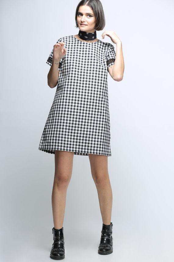 שמלת סו משבצות שחור לבן
