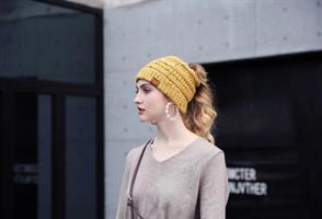 כובע חורף עם פטנט ייחודי-  חור מיוחד לקוקו