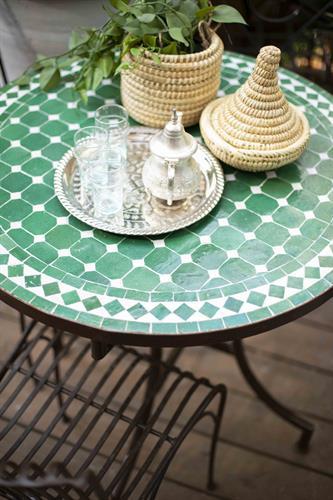 שולחן מוזאיקה ירוק קלאסי