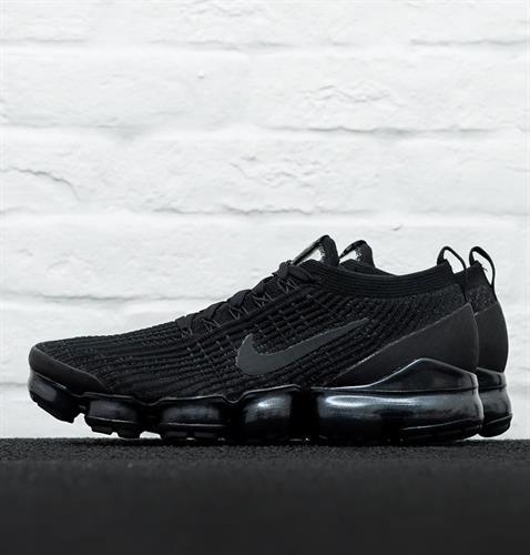 נעלי גברים נייק ופורמקס צבע שחור סרוג דגם AJ6900 004