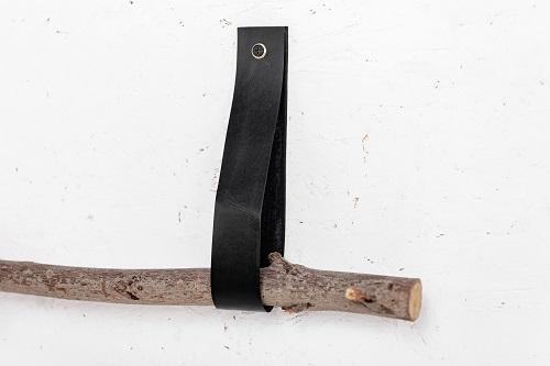זוג רצועות עור לתליית הענף - ארוכות. צבע שחור