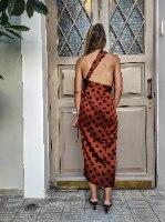 חצאית מעטפת רבת שימושים - נקודות